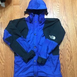 North face gore tex mountain light jacket size med